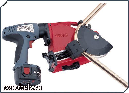251805 Трубогиб электрический для гибки труб 12; 15; 18; 22 мм, аккумуляторный - фото 1